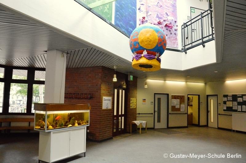 004a Foyer